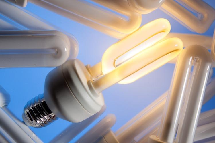 Zu viel quecksilber in energiesparlampen deutsche for Lampen quecksilber