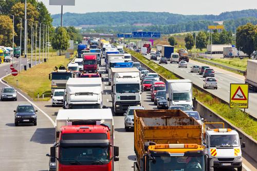 Leben retten, Klima schützen: Breites Bündnis fordert generelles Tempolimit auf Autobahnen