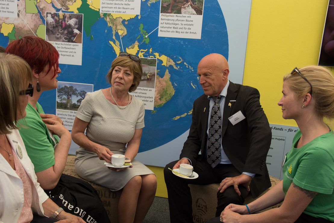 Der Hand in Hand-Fonds von Rapunzel und der Deutschen Umwelthilfe: UmweltCafé auf der Woche der Umwelt